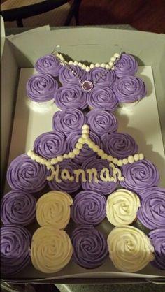 "Hannahs ""princess sophia"" birthday cupcake cake I made"