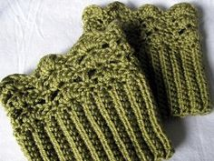 Belmont Boot Toppers :: free #crochet boot cuff patterns