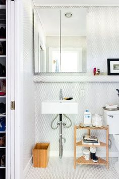 January Cure 2018 Assignment 13 - Organize Bathroom | Apartment Therapy