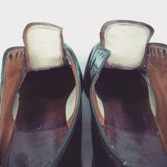 Leather Shoes, Slippers, Fashion, Leather Dress Shoes, Moda, Leather Boots, Fashion Styles, Leather Booties, Slipper