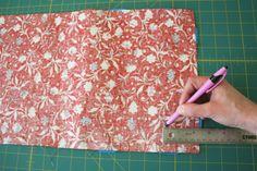 Make an iPad cover Diaper Bag Patterns, Bag Patterns To Sew, Sewing Patterns Free, Diy Sewing Projects, Sewing Projects For Beginners, Sewing Tutorials, Capas Kindle, Kindle Case, Ipod Covers