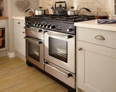 Burford Grey - Burford - Kitchen Families - Kitchen Collection - Howdens Joinery the range. Open Plan Kitchen Diner, Barn Kitchen, Shaker Kitchen, Family Kitchen, New Kitchen, Kitchen Ideas, Kitchen Trends, Kitchen Inspiration, Kitchen Designs