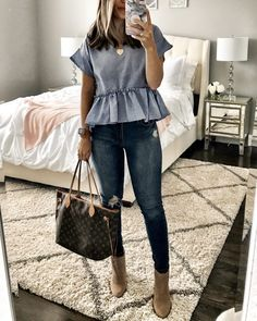 clothes for women,womens clothing,womens fashion,womans clothes outfits Jeans Outfit Summer, Spring Outfits, Blue Top Outfit, Dark Jeans Outfit, Shirt Outfit, Ripped Jeggings, Skinny Jeans, Mode Outfits, Fashion Outfits