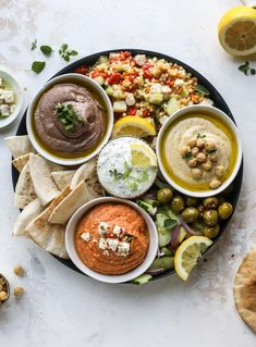 Here you can find out how to make the perfect hummus platter! This trio includes caramelized onion hummus, smoky black bean hummus and roasted red pepper white bean hummus, along with a couscous salad and quick tzatziki! I antipasto Healthy Afternoon Snacks, Healthy Snacks, Healthy Eating, Healthy Recipes, Healthy Hummus, Cheap Recipes, Easy Recipes, Vegan Appetizers, Appetizer Recipes