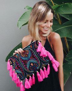 43 Ideas Boho Fashion Hippie Handbags For 2019 Diy Fashion, Fashion Bags, Ideias Fashion, Ethno Style, Hippie Style, Moda Afro, Sacs Design, Ethnic Bag, Potli Bags