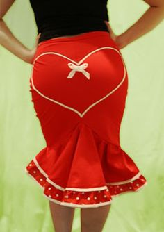 """Pin-Up style """"Deadly Valentine"""" fishtail skirt from Dollchops on Etsy. Shop more products from Dollchops on Etsy on Wanelo. Moda Rockabilly, Rockabilly Fashion, Retro Fashion, Vintage Fashion, Womens Fashion, Rockabilly Style, Rockabilly Girls, Moda Pin Up, Pin Up Style"""