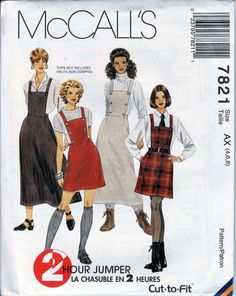 Your place to buy and sell all things handmade Retro Fashion, Vintage Fashion, Fashion Fashion, Patron Vintage, Vintage Apron, Vintage Vogue Patterns, Jumper Patterns, Fashion Illustration Vintage, Moda Vintage