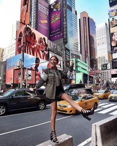 PRIMAVERA #nuevayork #nyc #primavera #outfit New York Outfits, New York City Pictures, New York Photos, New York Winter, Silvester In New York, New York Sommer, Photographie New York, Nyc Pics, Photo Voyage