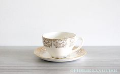 Stunning vintage set of four Georgian China tea cups and saucers in the Briar Rose pattern. Beautiful pink centre rose motif (on saucers) against a cream background. Very elegant and shabby chic. Briar Rose, China Tea Cups, Gold Filigree, China Patterns, Georgian, Drinkware, Cup And Saucer, Tea Party, Centre
