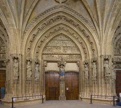 Portico de la Catedral de Vitoria Pais Vasco-España