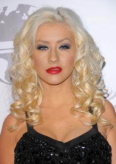 Top 40 Most Beautiful Hair Looks of Christina Aguilera – Celebrities Woman Medium Curls, Short Curls, Medium Hair Cuts, Wedding Hairstyles For Long Hair, Down Hairstyles, Layered Hairstyles, Long Wavy Haircuts, Charming Eyes, Blonde Hair Looks
