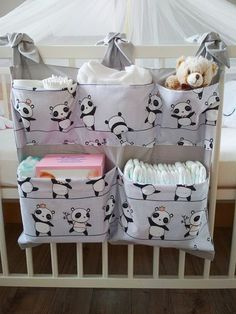 Panda – breite Tasche für Wickeltisch / Kinderbett – Bébés et soins de bébé - Babyzimmer Junge Baby Room Diy, Baby Bedroom, Baby Room Decor, Baby Crib Bedding, Diy Bebe, Baby Sewing Projects, Baby Crafts, Baby Patterns, Kids And Parenting