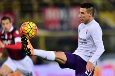 Tello late show snatches victory for Fiorentina   Milan (AFP)  A late brace from Cristian Tello kept Fiorentina in contention for a place in Europe with a 2-1 come-from-behind Serie A win on Wednesday.  The sides fixture earlier this season had been snowed off but a dogged Pescara earned a 15th minute lead when Gianluca Caprari fired Cristiano Biraghis delivery past the onrushing Marco Sportiello in the visitors net.  Pescara dominated for long spells but Fiorentinas fortunes improved when…
