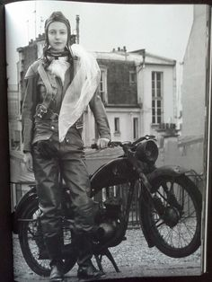Fotografie; Bettina Rheims - Rose, C'est Paris - 2011