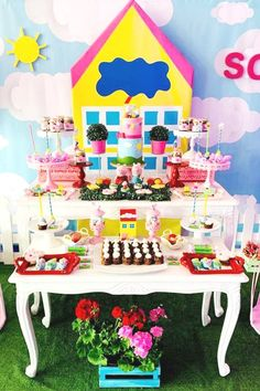 Violeta Glace 's Birthday / Peppa Pig - Photo Gallery at Catch My Party Girls Birthday Party Themes, Pig Birthday, Birthday Parties, Birthday Ideas, Dessert Table Backdrop, Dessert Tables, Pig Party, Peppa Pig, Party Ideas
