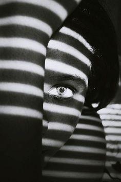 15+ Creative Photographers Who Know How To Use Shadows