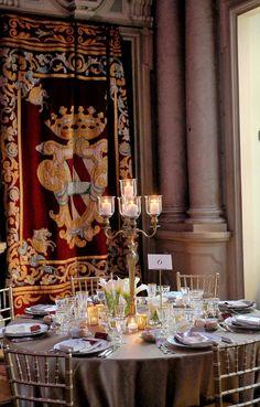 Gala Dinner at Palazzo Corsini Florence in the Ball Room with the Corsin family emblem tapestry  Cena di Gala nel Salone del trono a Palazzo Corsini con lo stemma di Famiglia Corsini riportati negli arazzi
