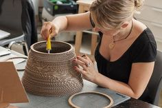 How to make a lamp shade from rings of corrugated cardboard