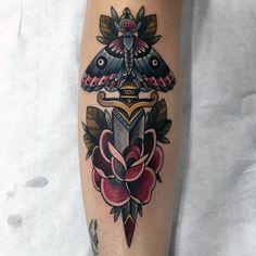 90 Moth Tattoos für Männer  Nocturnal Insekt DesignIdeen  Tattoos  Ideen