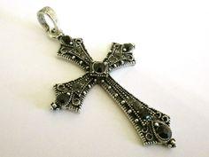 Cross pendant with rhinestones Riipus vanhahtava risti koristekivillä - Helmien talo