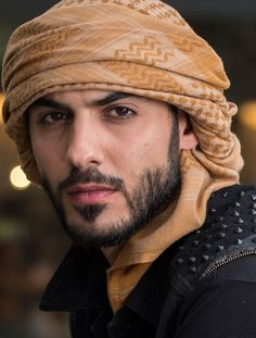 maybe it's some weird dalish thing? Handsome Arab Men, Scruffy Men, Stylish Dpz, Stylish Boys, Face Men, Male Face, Dragon Age Dorian, Saudi Men, Instagram Dp