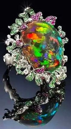 Opal ring. This is amazing! #rainbow #colors / stand out from the crowd this says!