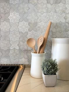 Vintage Revivals | Let's Talk Home Show Houses! Pretty backsplash