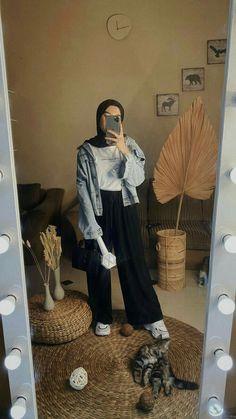 Modest Fashion Hijab, Modern Hijab Fashion, Street Hijab Fashion, Casual Hijab Outfit, Hijab Fashion Inspiration, Ootd Hijab, Hijab Chic, Muslim Fashion, Fashion Week