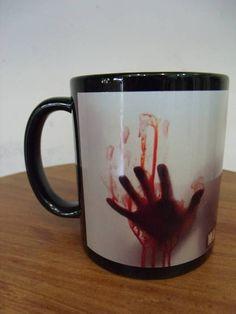 Caneca de Porcelana Estampa: The Walking Dead R$ 35,00  ww.elo7.com.br/dixiearte