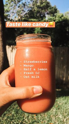 Strawberry and mango smoothie. Great for breakfast, and snacks. or enjoy it by t. Strawberry and mango smoothie. Great for breakfast, and snacks. or enjoy it by the pool with friend Fruit Smoothie Recipes, Easy Smoothies, Smoothie Drinks, Snack Recipes, Healthy Recipes, Easy Recipes, Smoothie Bowl, Superfood Smoothies, Banana Smoothies