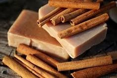 Cinnamon Spice Soap - natural soap made with honey and beeswax Organic Bar Soap, Pure Soap, Homemade Soap Recipes, Cinnamon Spice, Jar Gifts, Belleza Natural, Natural Cosmetics, Home Made Soap, Handmade Soaps