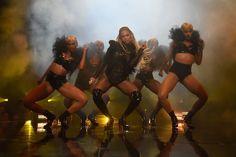 #Beyonce trug bei den #VMAs sechs verschiedene Outfits mit Diamanten und Juwelen im Wert von 11,6 Mio. Euro