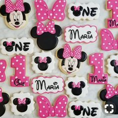 Minnie head, bow, number and Minnie head plaque cutters are from Minnie Mouse cookies. Minnie head, bow, number and Minnie head plaque cutters are from Minnie Mouse Party Decorations, Minnie Mouse Birthday Cakes, Mickey Mouse Cupcakes, Minnie Mouse Theme, Mickey Cakes, Mickey Mouse Birthday, Birthday Cookies, Mouse Parties, Disney Parties