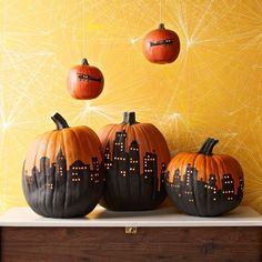 36 Pumpkin Designs - - This Halloween, make your stoop the pride of the neighborhood with a parade of pumpkins that will delight trick-or-treaters. Theme Halloween, Halloween Cookies, Holidays Halloween, Scary Halloween, Halloween Pumpkins, Halloween Crafts, Holiday Crafts, Holiday Fun, Halloween Decorations