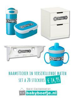 #naamstickers #babykamer #jongen #blauw  Zowel praktisch als uniek: een naamsticker in verschillende formaten. Zo kun je ze gebruiken voor diverse doeleinden. Praktisch voor op de drinktuit, broodtrommel en drinkbeker. En ook nog eens uniek om je eigen babykamer te verfraaien.