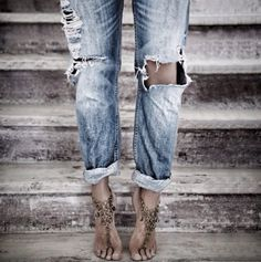 why is it impossible to find a pair of boyfriend jeans like these at a store in my size?!