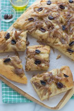 Easy No Knead Focaccia Bread with Caramelized Onions and Olives.