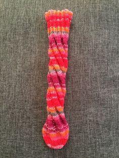 Anleitung Spiralsocke: Mit dieser Anleitung für Spiralsocken kannst du kinderleicht einfache Socken ohne Ferse stricken, ideal für Anfänger.