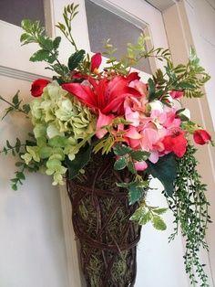 Spring Wreath Door Basket by crossingstems on Etsy Front Door Decor, Wreaths For Front Door, Door Wreaths, Deco Floral, Arte Floral, Wreath Crafts, Diy Wreath, Wreath Ideas, Beautiful Front Doors