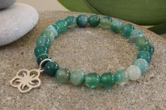 This very pretty (6mm beaded) turquoise green agate gemstone elastic bracelet is ready to be shipped just for you! Perfect gift for yourself or a