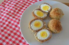 Huevos escoceses Eggs, Breakfast, Food, Shredded Coconut, Cooking, Scotch Eggs, Plain Yogurt, Morning Coffee, Egg