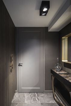Smart lotis box lighting in a private residence. Picture by Peter Baas - Designed by Linda Lagrand Interior Door Styles, Interior Trim, Home Interior Design, Interior Doors, Bedroom Door Design, Bedroom Doors, Grey Kitchen Designs, Indoor Doors, Door Casing