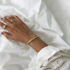 Soft organic shaped jewellery | @styleminimalism