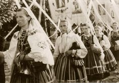 Folk costume from Łowicz, Poland. Archival photograph (date unknown).
