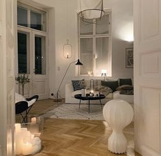 Home Interior Living Room .Home Interior Living Room French Interior Design, Aesthetic Rooms, House Rooms, Home Decor Inspiration, Decor Ideas, Cheap Home Decor, Home And Living, Modern Living, Home Remodeling