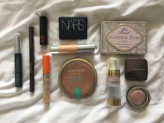 Makeup of the Day: Gold Eyes and Coral Lips