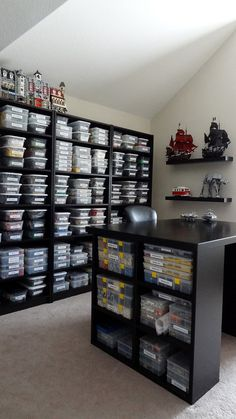 An incredible LEGO Building & Storage Room! Who Wouldn't Want A Storage Room Like This... Also directions for building the individual frames for mini-figures.