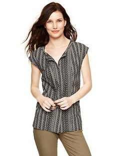 Printed pintuck tie-neck blouse | Gap Tall