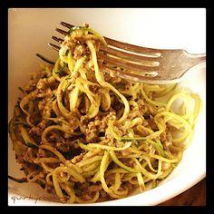 Quirky Cooking: Raw Zucchini Pasta with Walnut & Mushroom Sauce {Vegan}
