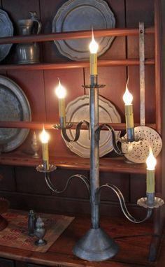 Five Arm Tin candelabra Primitive Lamps, Primitive Lighting, Primitive Crafts, Country Primitive, Country Farmhouse, Wrought Iron Decor, American Decor, Sconce Lighting, Vintage Lighting